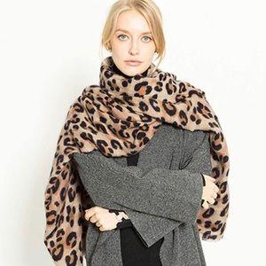 ZARA LEOPARD Animal Print Brand New Scarf Blanket